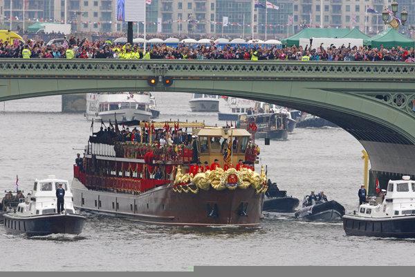 London-Queen-Jubilee2.jpg