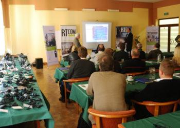 Spotkanie-delearow-RTcom-Hytera-2012.JPG