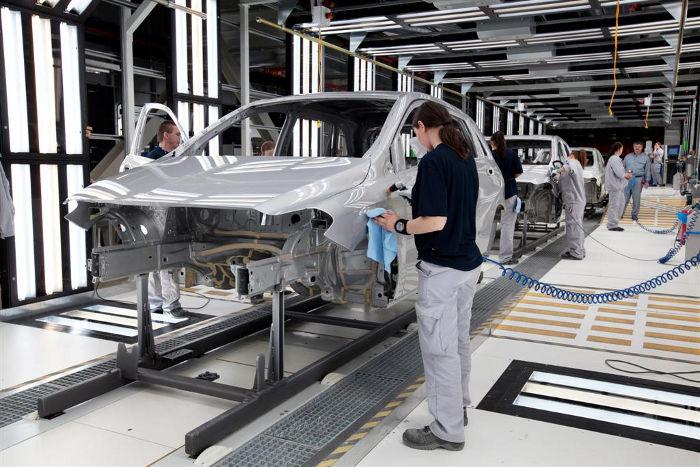 Taśma montażowa Mercedeza klasy B w fabryce Kecskemet na Węgrzech