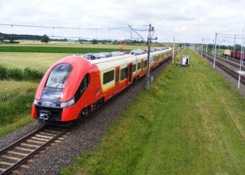 zespol-szynowy-pesa-bydgoszcz-E2t-27WE (fot. Instytut Kolejnictwa)
