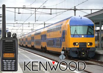 Holenderski pociąg na stacji kolejowej
