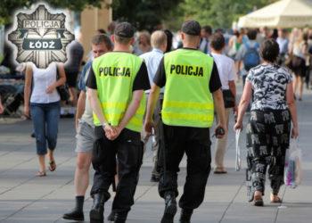 Polscy-policjancie-na-patrolu