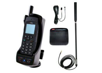 Telefon Iridium 9555 ze stacją dokującą