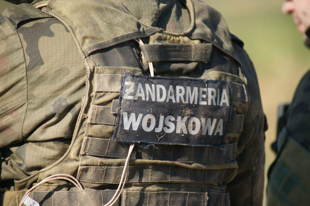 zandarmeria-wojskowa-mundur-tyl