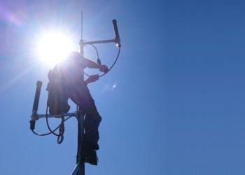 Maszt antenowy, instalacja