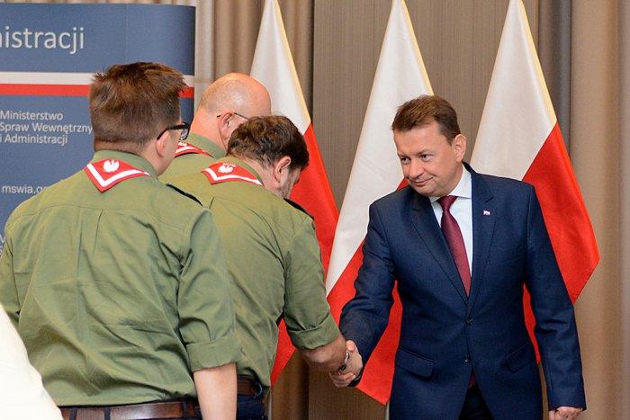 Minister-Mariusz-Blaszczak-harcerze