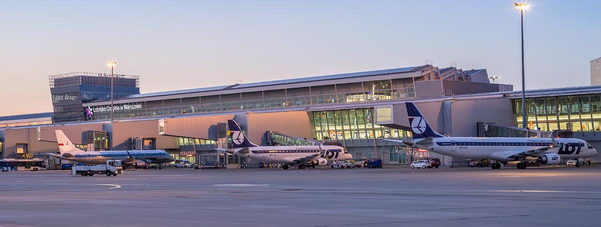 Lotnisko-chopina-warszawa-terminal