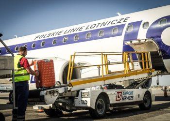 lsas-airport-services-samolot-ladowanie-bagazu
