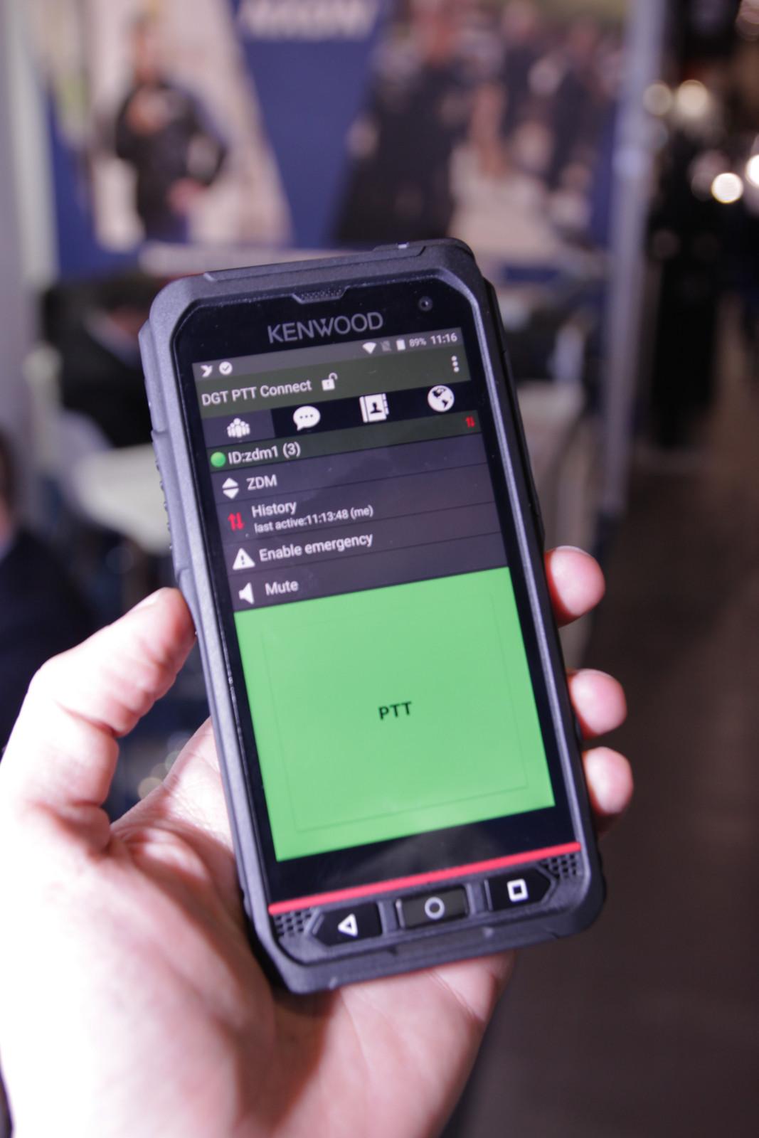 Europoltech-2019-dgt-ptt-connect-kenwood-smartphone.JPG