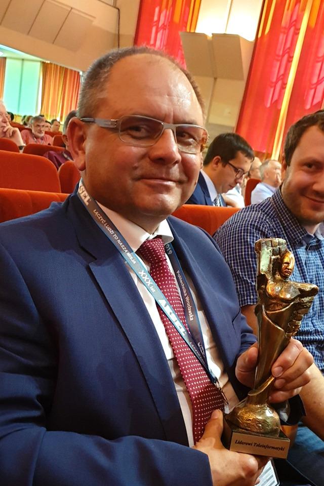 Jerzy-Zurek-Instytut-lacznosci-KKRRiT-KSTiT-2019-wroclaw-statuetka-zloty-cyborg