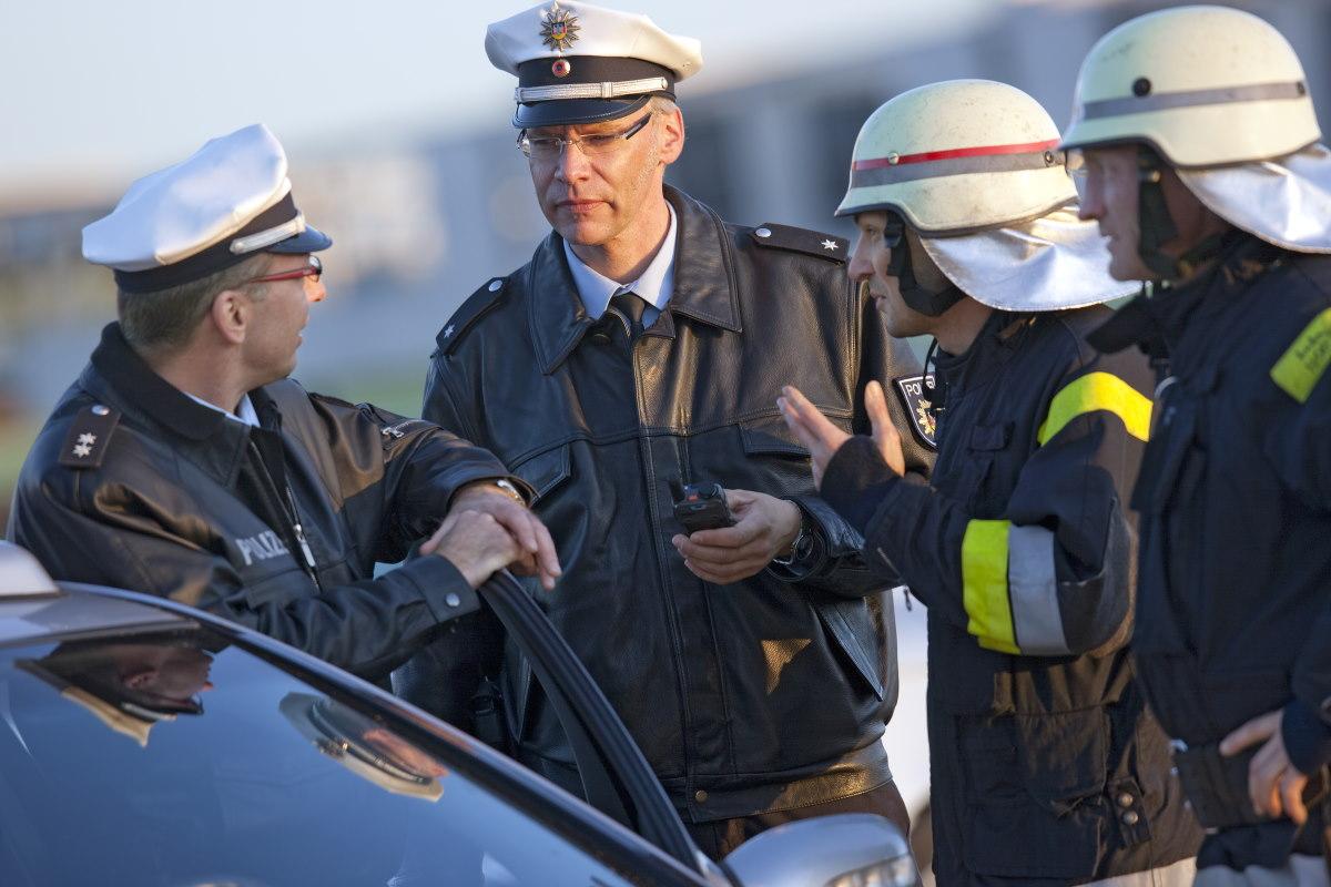 Policja-niemiecka-straz-pozarna-lacznosc-radiowa-tetra-radiotelefon