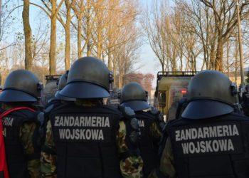 Żandarmeria Wojskowa żołnierze podczas ćwiczeń polowych
